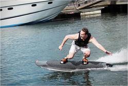 Elektryczny wakeboard Radinn ze Szwecji